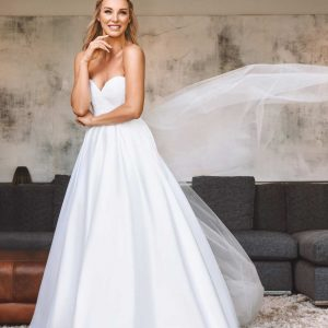 LA Bride Jade Hubner by Barclay Studio
